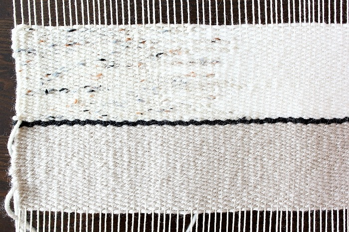 DIY Woven No-Sew Pillow - hatching technique.