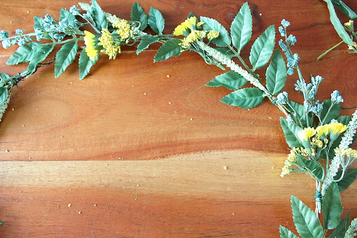 DIY (faux) Wildflower Wreath - a closer look