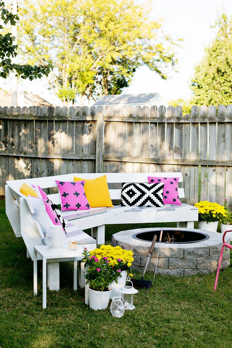 Black and White with pops of colour - Outdoor Spaces.