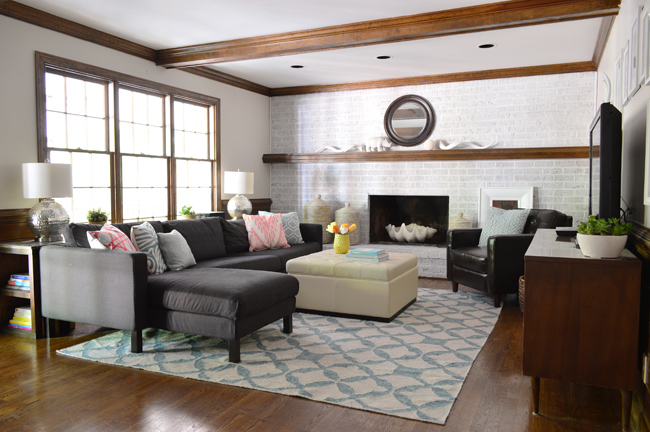10 tips - cozy living room - area rug