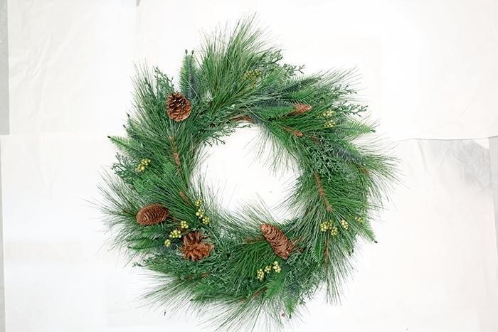 Wreath - before applying snow spray.