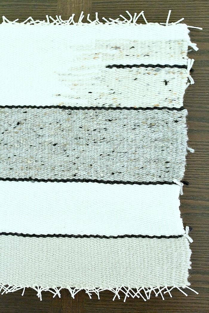 DIY Woven Pillow - snip yarn and warp ends.