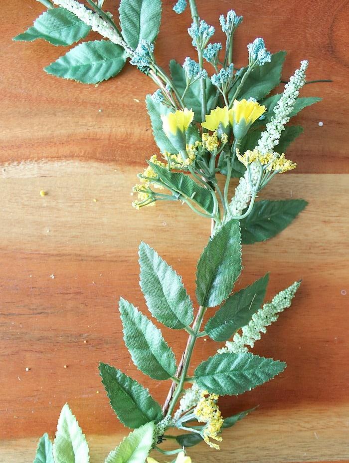DIY (faux) Wildflower Wreath - a closer look