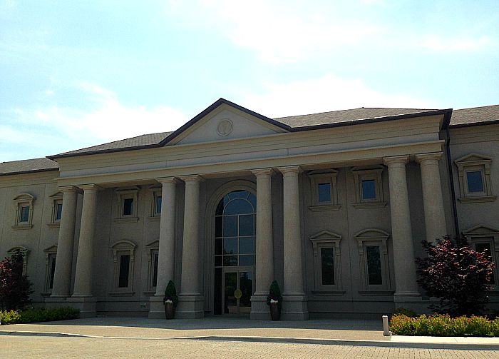 2 Sisters Vineyard - main building