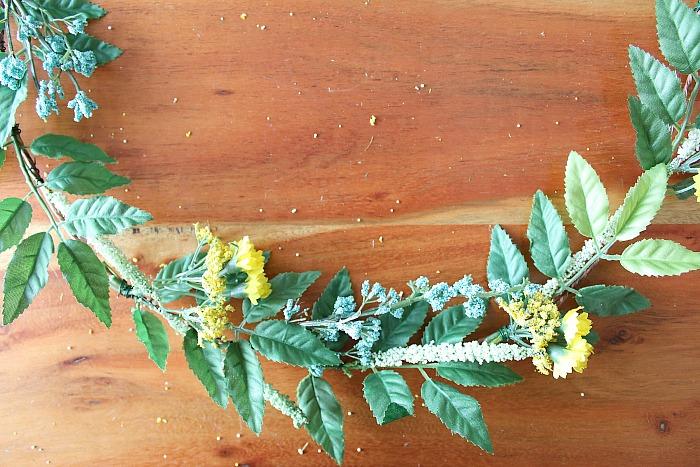 DIY (faux) Wildflower Wreath - taking a closer look