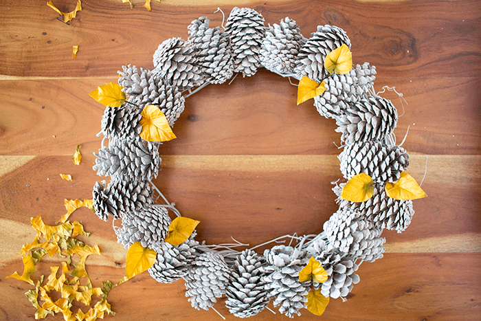 Pretty Pine Cone Wreath - insert leaves