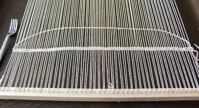 DIY Woven Pillow - weaving tip.