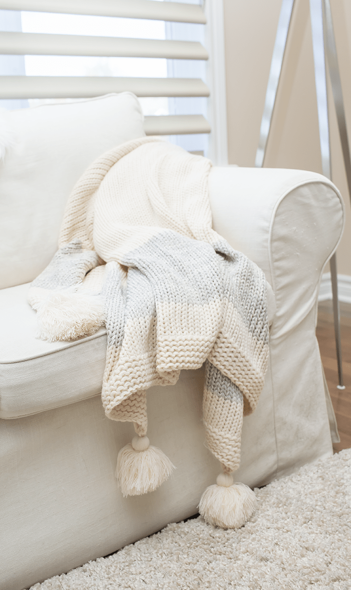 Cozy Winter Decorating Ideas - pillows and throws