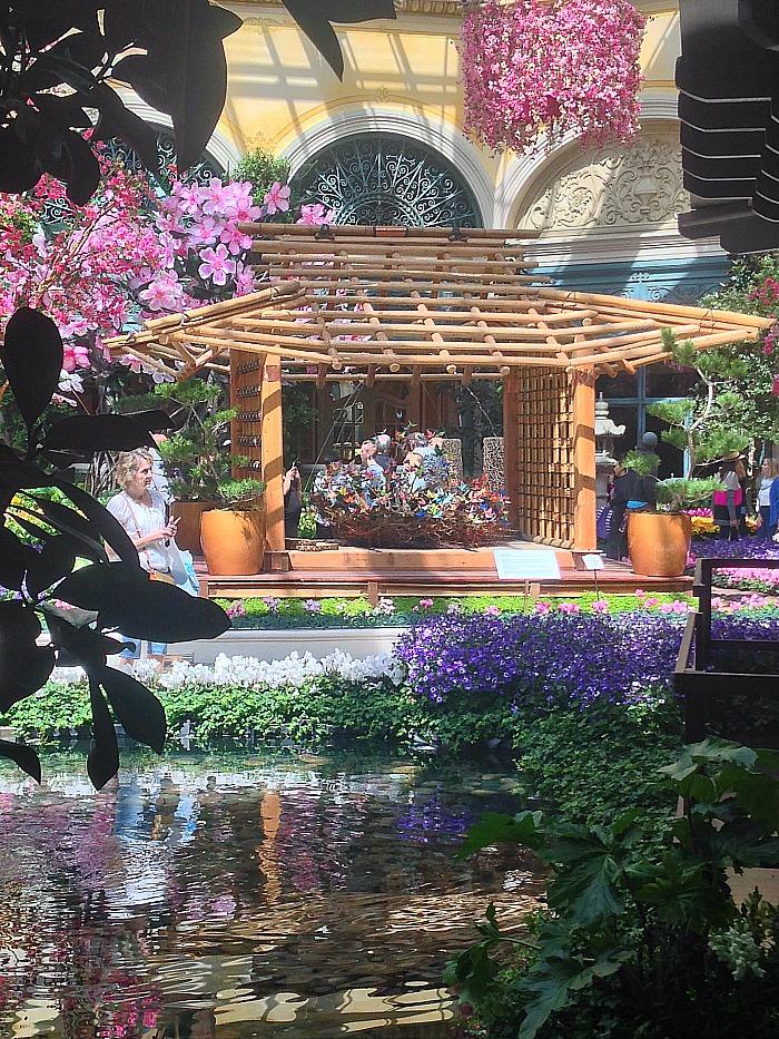 Botanical Garden - Las Vegas - Japanese structure