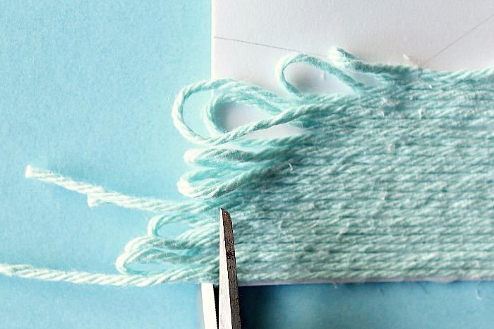 cut looped yarn edge off