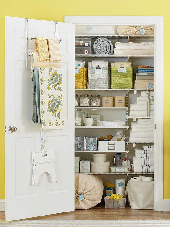 Linen closet organizing tips - Better Homes & Gardens - via aprettyfix.com