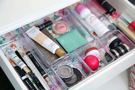 Makeup organizing - I Heart Organizing - via aprettyfix.com